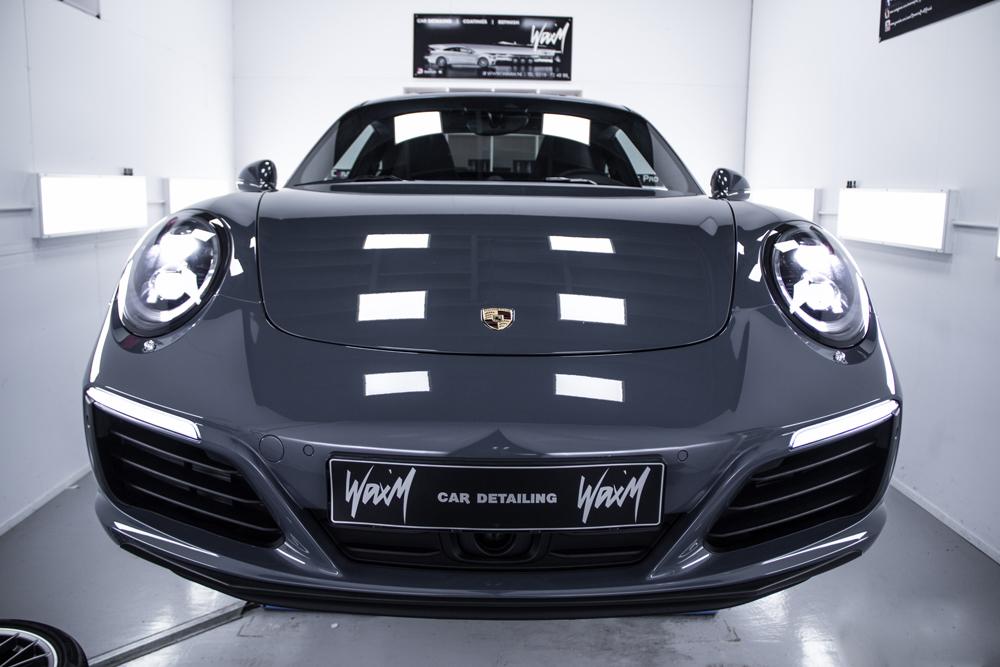 Car detailing Porsche 911